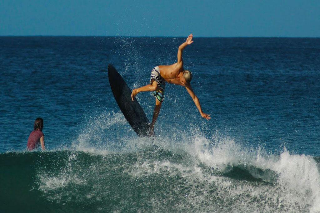 Tamarindo surfskola