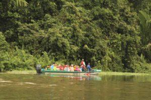 Flodbåtstur med djur & natur i Tortuguero