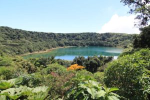Lagunen Botos vid Poas vulkan